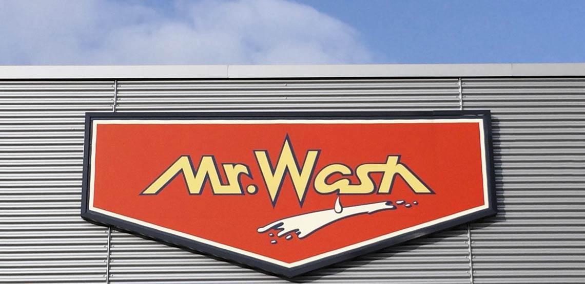 Mr. Wash Autowaschanlage mit Solarwärme