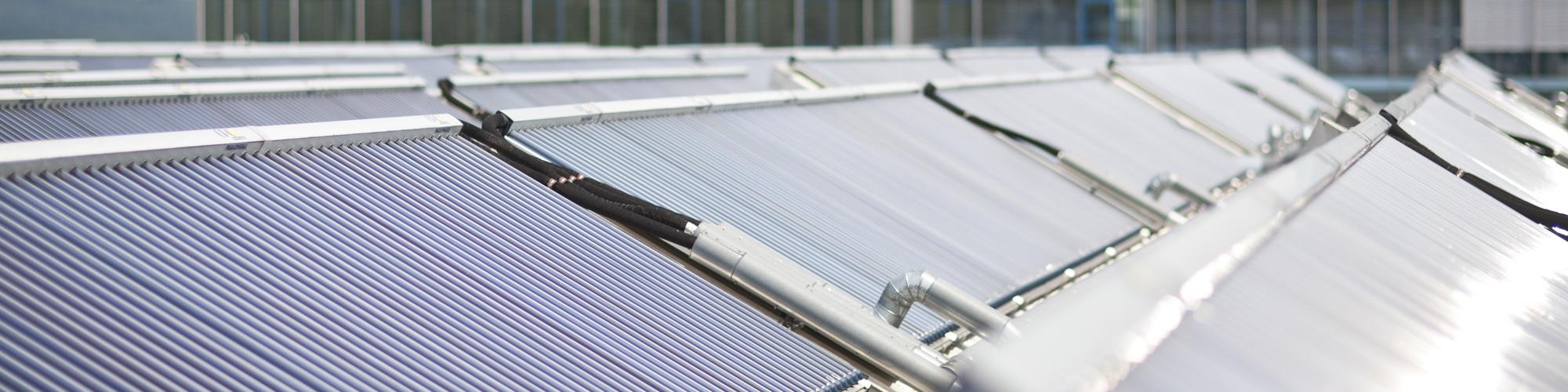 Solarthermie zum Heizen und Kühlen bei Festo in Esslingen